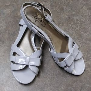 Life Stride soft system sandals